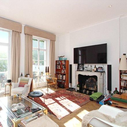 Rent this 3 bed apartment on Embassy of the Republic of Senegal in Stratford Road, London W8 6LA