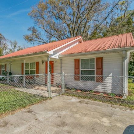 Rent this 3 bed house on 646 Saint Clair Street in Starke, FL 32091
