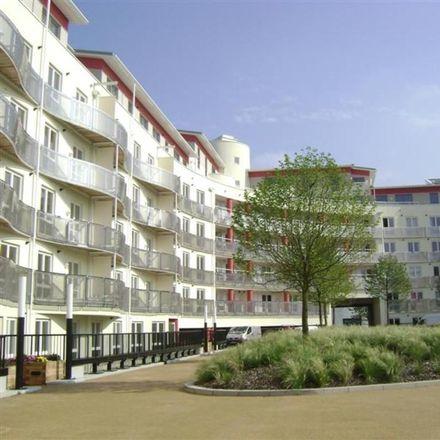 Rent this 2 bed apartment on Invicta in Millennium Promenade, Bristol BS1 5SY