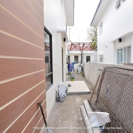 Rent this 4 bed house on ATODA in Pilar Road, Las Piñas