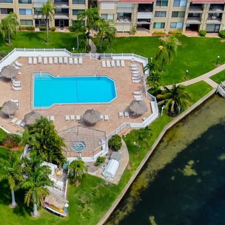 Rent this 2 bed condo on Palma del Mar Blvd S in Saint Petersburg, FL