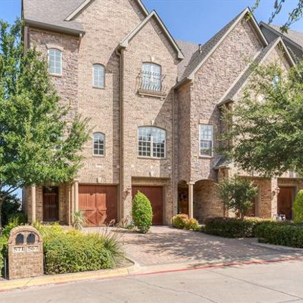 Rent this 3 bed townhouse on 567 Rockingham Drive in Irving, TX 75063