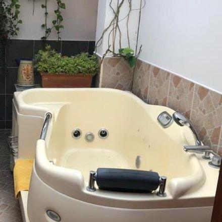 Rent this 4 bed apartment on Secretaria de Educacion in Carrera 45, Cañaveralejo