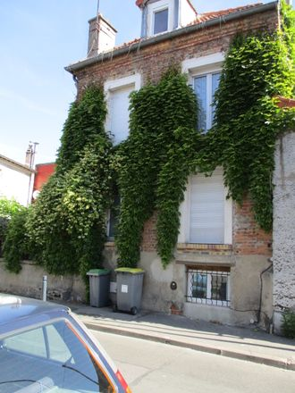Rent this 6 bed room on 108 Rue Roublot in 94120 Fontenay-sous-Bois, France