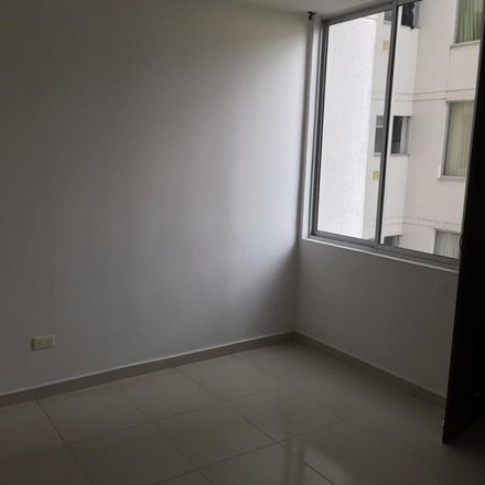 Rent this 3 bed apartment on Al Rock Burguer in Calle 105 26 - 93, Provenza