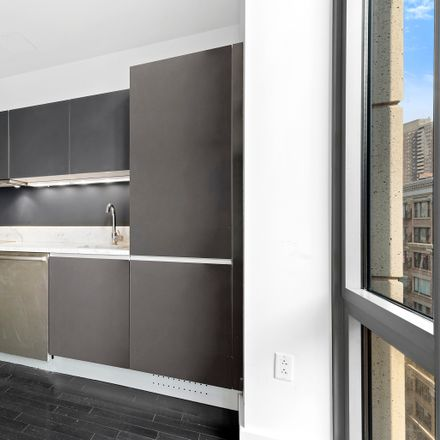 Rent this 1 bed condo on 85 West Broadway in New York, NY 10007