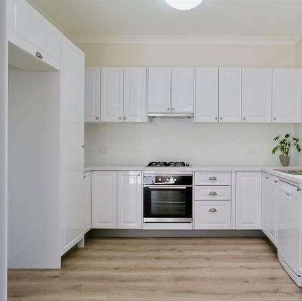 Rent this 2 bed room on 4/3 Kangaroo Street