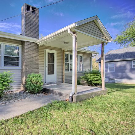 Rent this 4 bed house on Edgewood Ln in Caseyville, IL