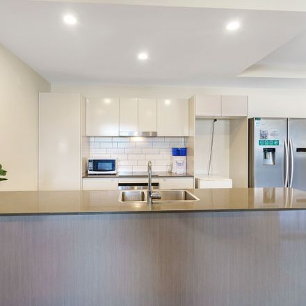 Rent this 2 bed apartment on 41/37 Bryden Street