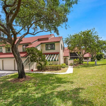 Rent this 3 bed apartment on Lexington Ln W in West Palm Beach, FL