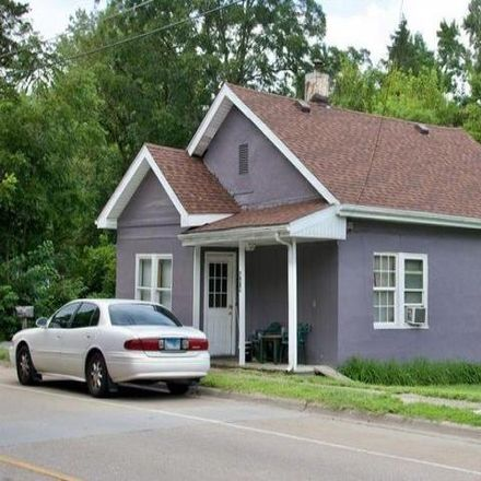 Rent this 2 bed house on 840 West Willow Street in Carbondale, IL 62901