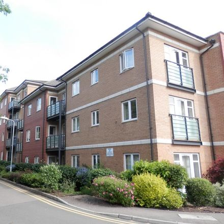 Rent this 1 bed apartment on Grove Theatre in Court Drive, Dunstable LU5 4GP