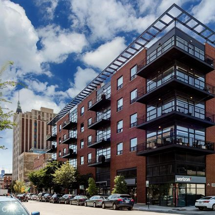 Rent this 2 bed condo on 2045 West Concord Place in Chicago, IL 60647