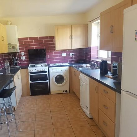Rent this 6 bed house on 350 Cowley Road in Oxford OX4 2AG, United Kingdom