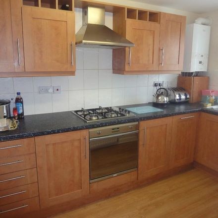 Rent this 2 bed apartment on Angel Wines/Convenience Store in 53 London Road, Church End LU6 3DH