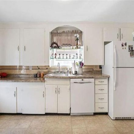 Rent this 3 bed house on 82 Mauran Street in Cranston, RI 02910