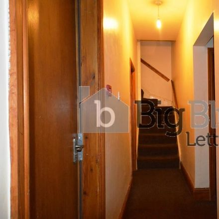 Rent this 11 bed house on Kensington Court in Brudenell Road, Leeds LS6 1HA