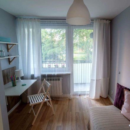 Rent this 7 bed room on Wojciecha Bogusławskiego 12 in 01-923 Warsaw, Poland