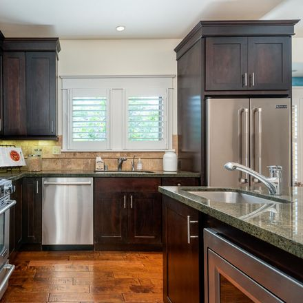 Rent this 3 bed house on 504 East Arrellaga Street in Santa Barbara, CA 93103