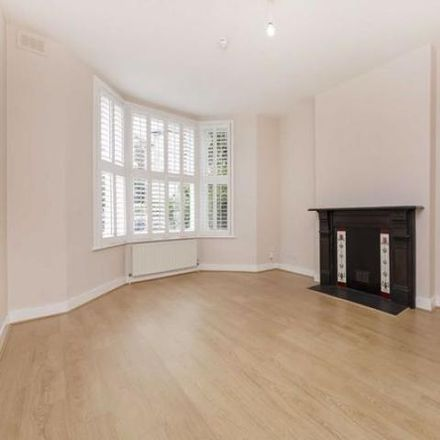 Rent this 7 bed apartment on 2 St. Quintin Gardens in London W10 6AS, United Kingdom