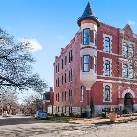 Rent this 2 bed condo on 2330-2332 South 12th Street in St. Louis, MO 63104