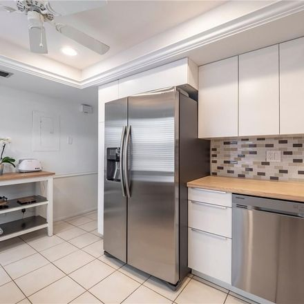 Rent this 3 bed condo on 7110 Fairway Bend Lane in Manatee County, FL 34243