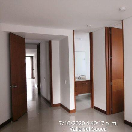 Rent this 2 bed apartment on Calle 13 Oeste in Comuna 2, 760101 Perímetro Urbano Santiago de Cali