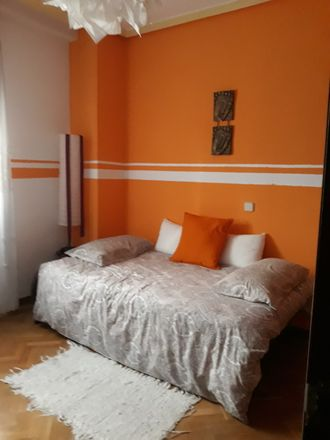 Rent this 1 bed room on Calle del Ferrocarril in 37, 28045 Madrid