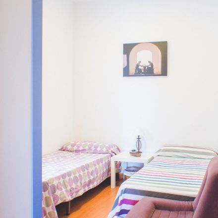 Rent this 2 bed apartment on Centro Deportivo Municipal Marqués de Samaranch in Paseo Imperial, 20