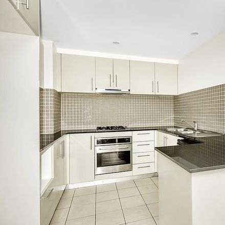 Rent this 3 bed apartment on 102/1 Clarence Street