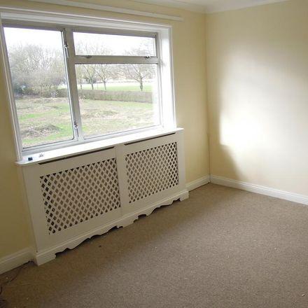 Rent this 3 bed house on Salisbury Road in Stevenage SG1 4PE, United Kingdom