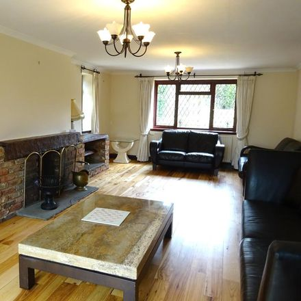 Rent this 4 bed house on Main Road in Sevenoaks TN14 6EE, United Kingdom