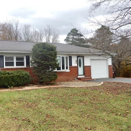 Rent this 3 bed house on 4 Flensburg Drive in Town of Pittstown, NY 12180