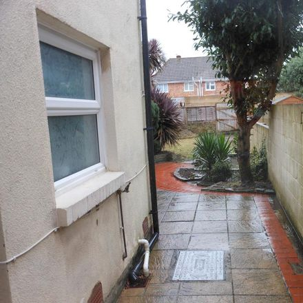 Rent this 2 bed house on Grove Avenue in Gosport PO12 1LB, United Kingdom