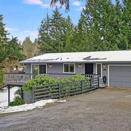 Rent this 3 bed house on 4817 Bayview Ln in Everett, WA 98203