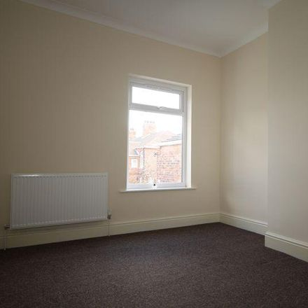 Rent this 3 bed house on Welholme Road in Grimsby DN32 9LZ, United Kingdom
