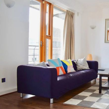 Rent this 3 bed apartment on City Quay in Mansion House A ED, Dublin