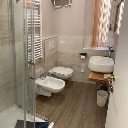 Rent this 5 bed room on Via Vitruvio in 42, 20124 Milano MI