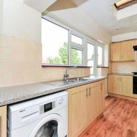 Rent this 6 bed house on Maybury Road in Woking GU21 5FN, United Kingdom