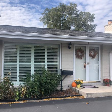 Rent this 2 bed townhouse on 1868 Grove Street in Glenview, IL 60025