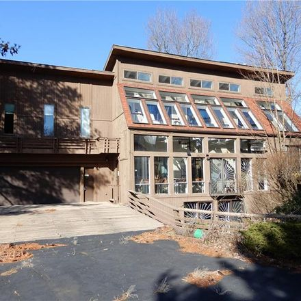 Rent this 4 bed house on Tischler Road in Bethel Park, PA 15102