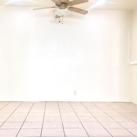 Rent this 3 bed duplex on 1086 Coronado Avenue in Long Beach, CA 90804