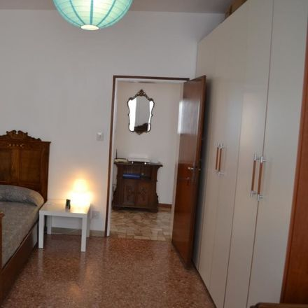 Rent this 3 bed room on Via Leonida Bissolati in 72, 30172 Venezia VE