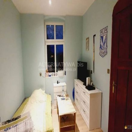 Rent this 3 bed apartment on Szkoła Podstawowa numer 23 imienia generała Józefa Bema in Cypriana Norwida, 60-867 Poznań