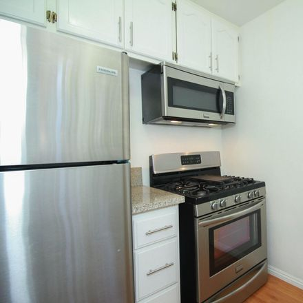 Rent this 1 bed apartment on 817 Garfield Avenue in South Pasadena, CA 91030