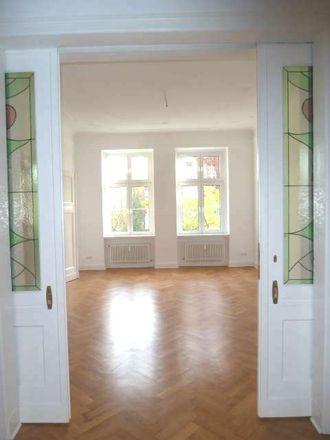 Rent this 8 bed apartment on Tempelhof-Schöneberg in S Schöneberg, Ebersstraße