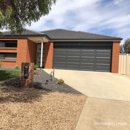 Rent this 3 bed house on 23 Sugargum Crescent