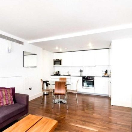 Rent this 2 bed apartment on Walpole House in 10 Weymouth Street, London W1B 1NL