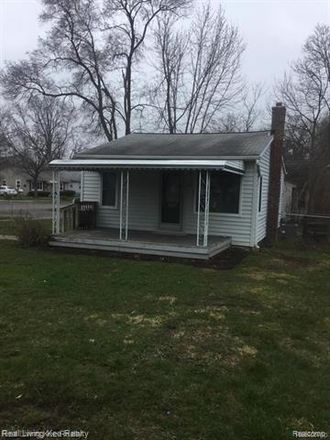 Rent this 2 bed house on Calvert St in Waterford, MI