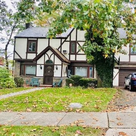 Rent this 5 bed house on Avon Rd in Jamaica, NY